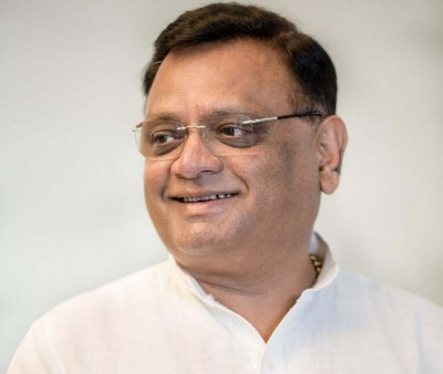 Congress leader targets Rajasthan Guv with series of tweets