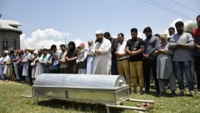 Photo of Civilian killed in Sopore in 'crossfire', say police
