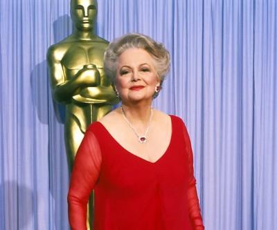 Hollywood icon Olivia de Havilland dies at 104