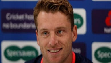 Photo of Jos Buttler 'vital' member of team who is willing to bat at any position, says Joe Root