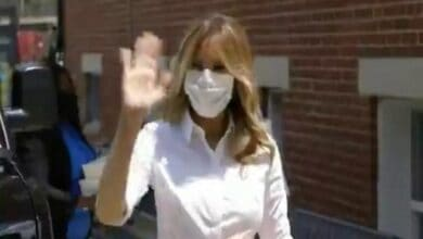 Photo of US First Lady Melania posts video of herself donning mask