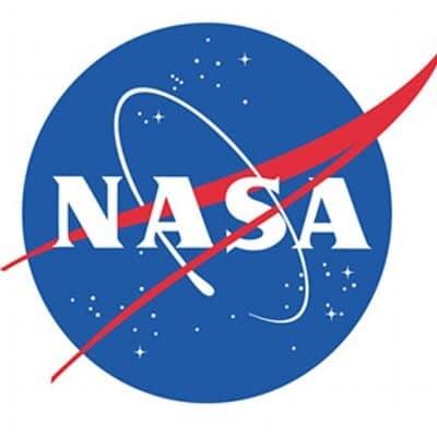 NASA camera spots China's Mars spacecraft speeding away from Earth