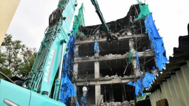 Photo of GHMC uses 22 long boom excavator for demolitions