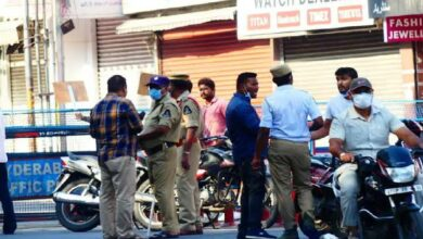 Photo of Hyderabad Police books more than 200 people in 1 day for not wearing masks
