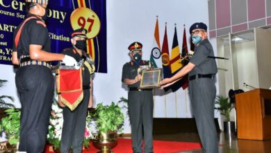GOC-IN-C, ARTRAC award degrees to army officers at MEME