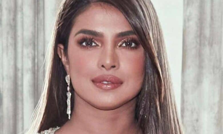 Priyanka Chopra imparts words of wisdom among fans