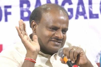 'Poached MLAs itself': Kumaraswamy slams Congress over Raj crisis