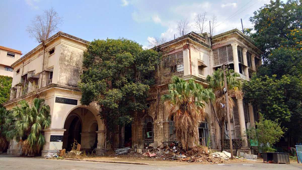Historic Saifabad Palace to be razed to rubbles