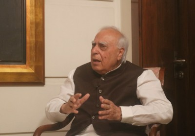 Sibal: Unfortunate HCs not following law laid down by SC on 10th Schedule