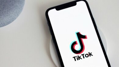 Photo of Trump orders Chinese owner of TikTok to sell US assets
