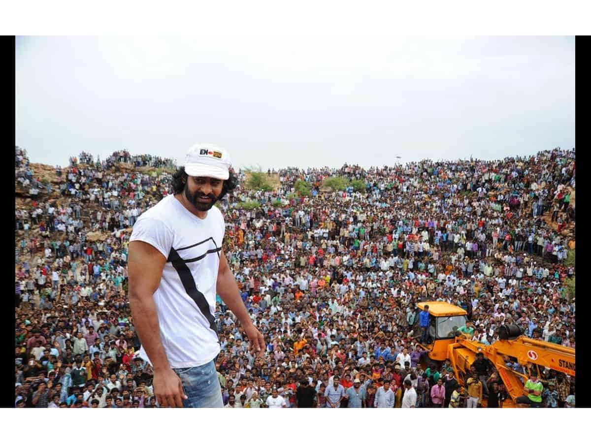 When 'man of masses' Prabhas was greeted by a huge crowd