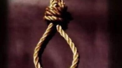 Photo of Girl hangs self after a tiff with a brother over a mobile phone