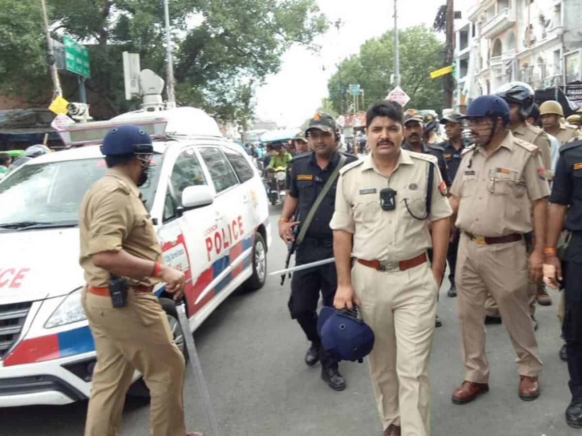 4 policemen suspended after youth ends life in custody