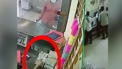 Photo of 10-yr-old steals Rs 10 lakh in 30 seconds