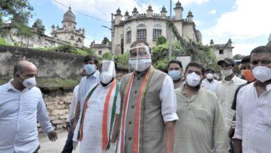 Photo of Uttam Kumar Reddy visits Osmania hospital