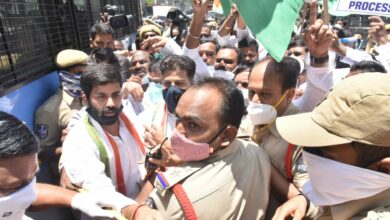 Photo of Congress leaders detained for staging dharna at Raj Bhavan