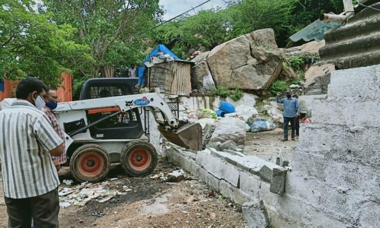 GHMC demolishes unauthorised buildings in Serilingampally GHMC demolishes unauthorised buildings in Serilingampally