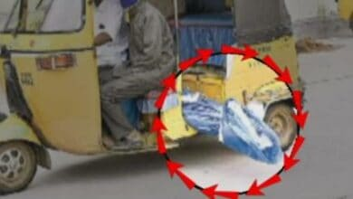 Photo of Telangana: COVID-19 victim's body carried in auto rickshaw