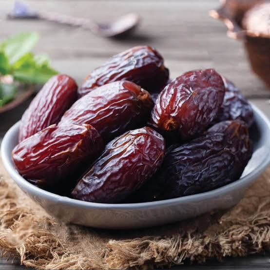 DATES MENTIONED IN QUR'AN AND IT'S ASTONISHING HEALTH BENEFITS