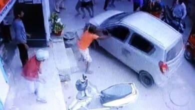 Photo of Drunk cop runs over an elderly woman in East Delhi, arrested
