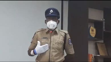 Photo of Head constable Lateef blames inspector for death of his wife