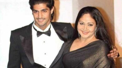 Tanuj Virwani says mom Rati Agnihotri is his best critic