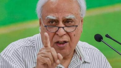 Photo of Dubey killed to cover up his links: Kapil Sibal