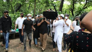 Photo of Jagdeep funeral: Sons Jaaved, Naved pay last respects, along with Johnny Lever