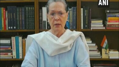 Photo of Sonia brings a dissenter into special panel, reshuffles CWC