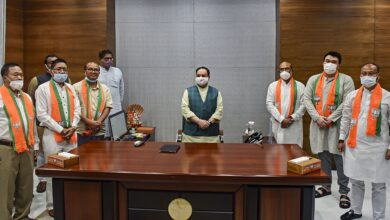 Photo of 5 ex-Congress MLAs joins BJP in Delhi