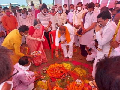 Khargone, Aug 5 : A temple styled on the lines of the Ram Mandir in Ayodhya is all set to be built on the banks of the Narmada river in Khargone. The