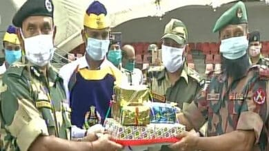Photo of BSF exchange sweets with Border Guard B'desh on  Independence Day