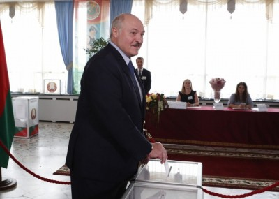 Belarus state TV staff join protests