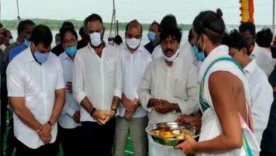 Photo of Andhra CM lays foundation of YSR Vedadri Lift Irrigation Scheme