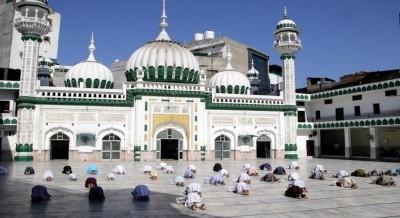 Delhi-based Muslims celebrate safe, humble Eid