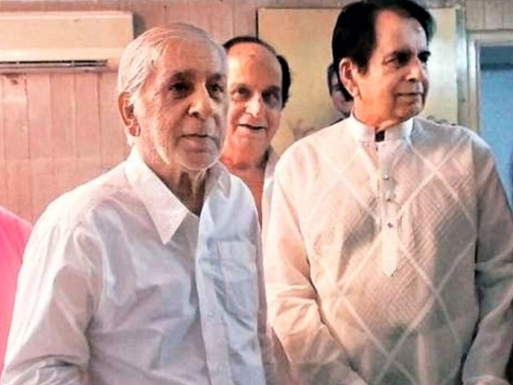 Dilip Kumar's younger brother Aslam Khan dies due to COVID-19