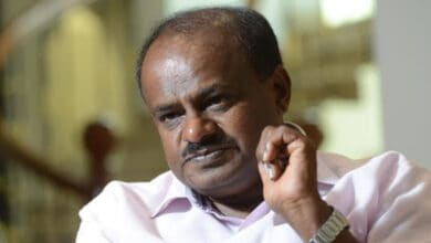 Photo of B'luru violence: Ex-CM Kumaraswamy has questions for BJP and Congress