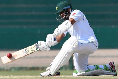 Eng vs Pak 2nd Test: Pakistan batting collapse halted by rain