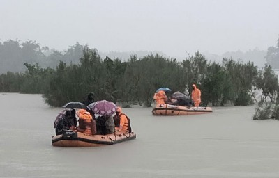 Flood water recedes in Assam, 11 lakh still distressed