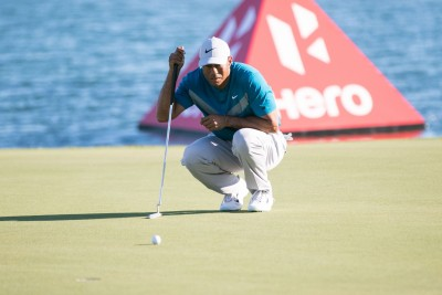 Johnson leads packed leaderboard at PGA C'ship, Woods at T59th