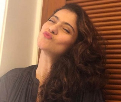 Kajol's big virtual kiss to all her fans