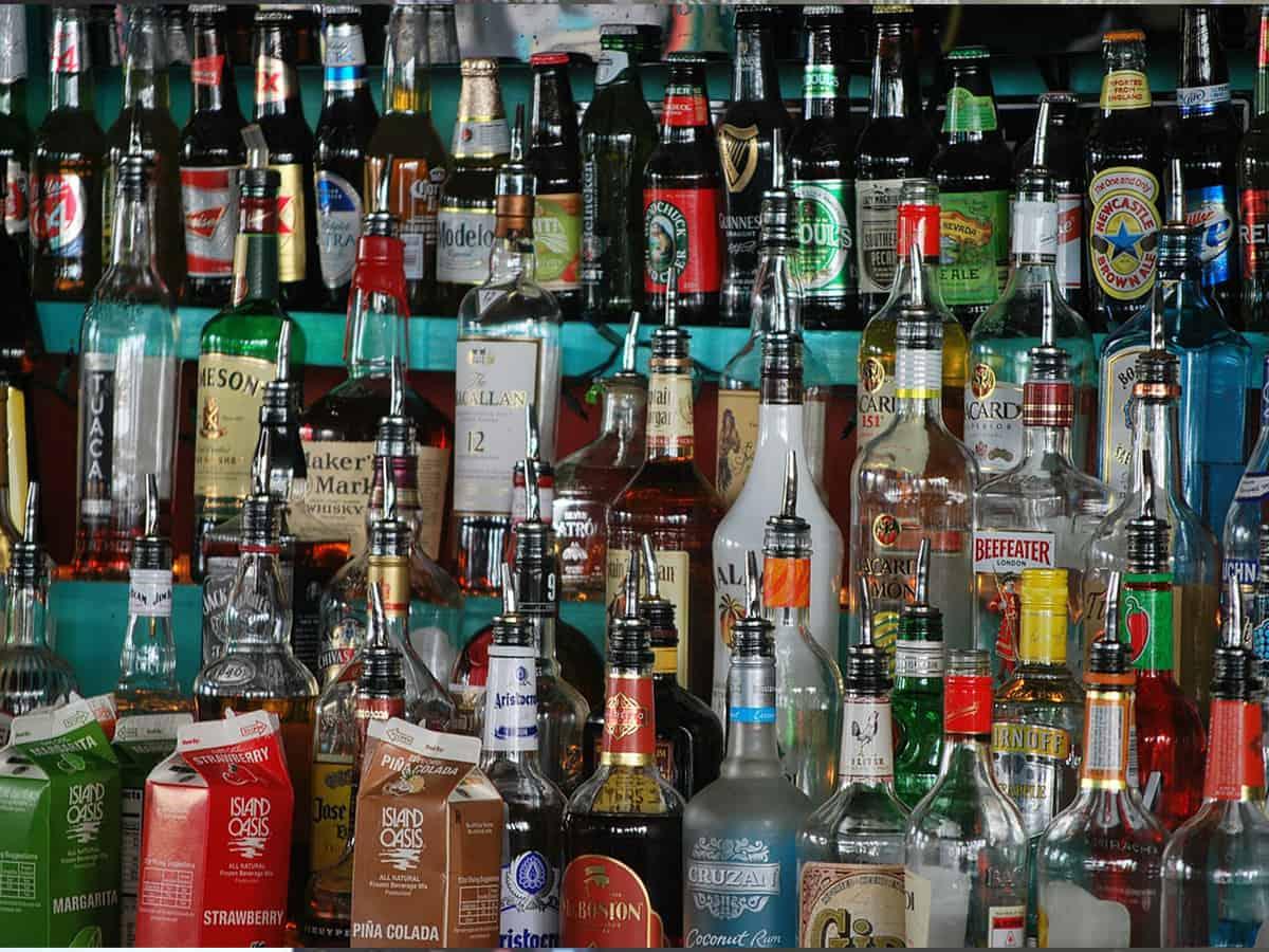Serving liquor allowed by Delhi govt in restaurants, hotels