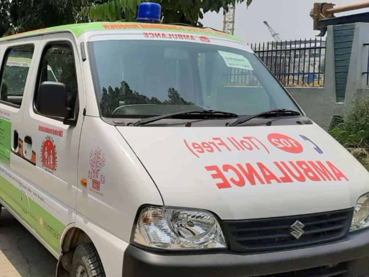 Kolkata: COVID-19 patient dies in ambulance outside hospital