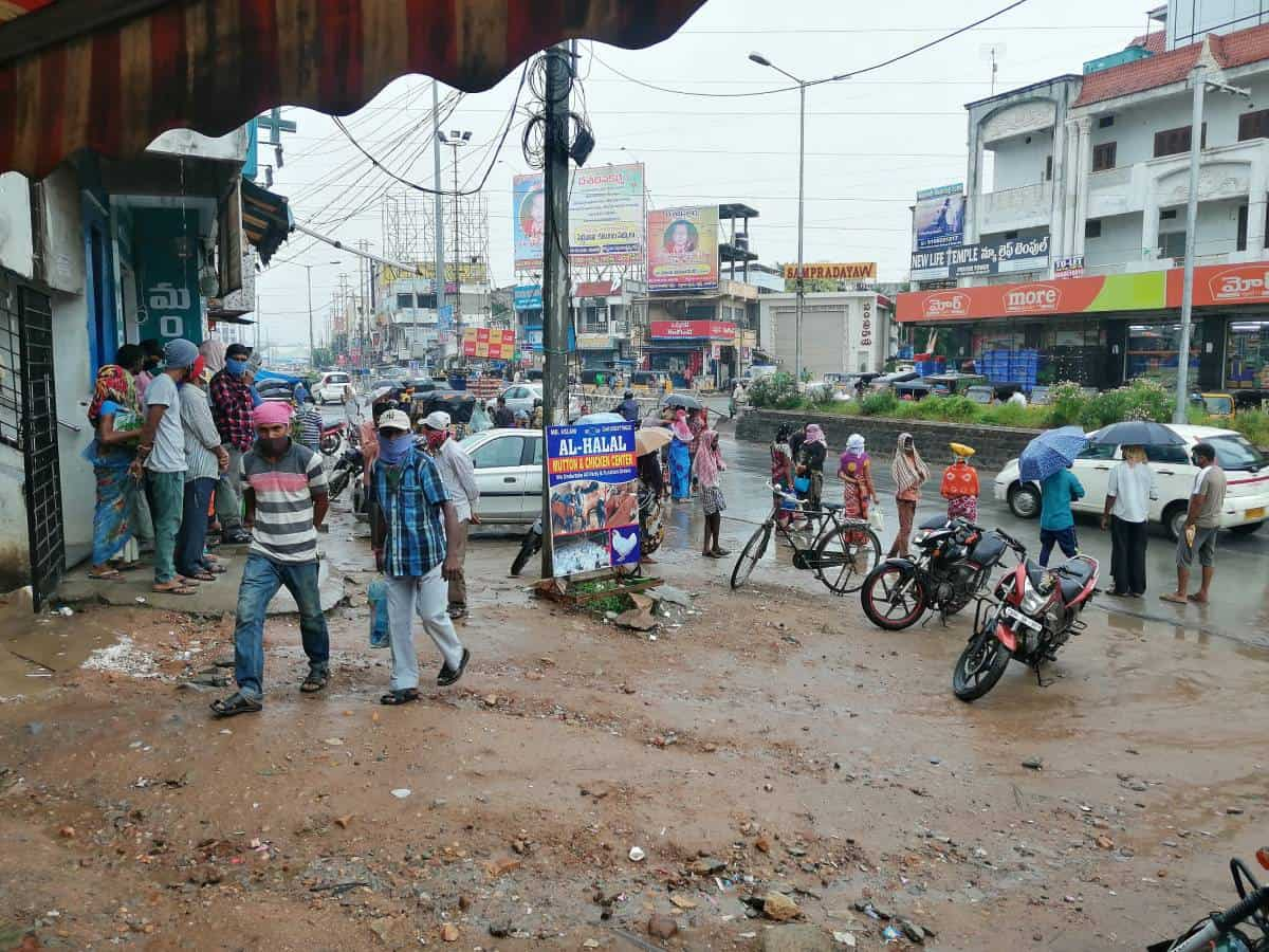 Daily wage labourers suffer as construction works are less amid corona