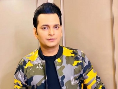 Paritosh to bring his version of Bollywood actors on TV