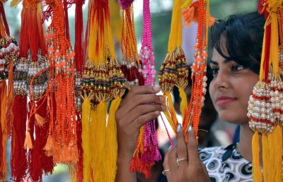 Raksha Bandhan brings cheer back to markets in Agra