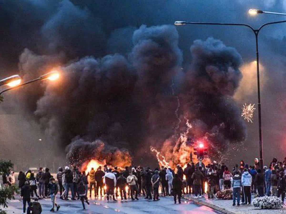 Riots in Sweden after politician blocked from Quran-burning rally: Cops