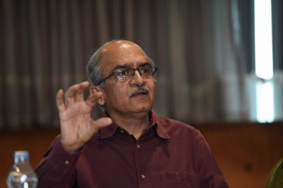 SC reserves order on Bhushan's sentencing for contempt, seeks apology (Lead)