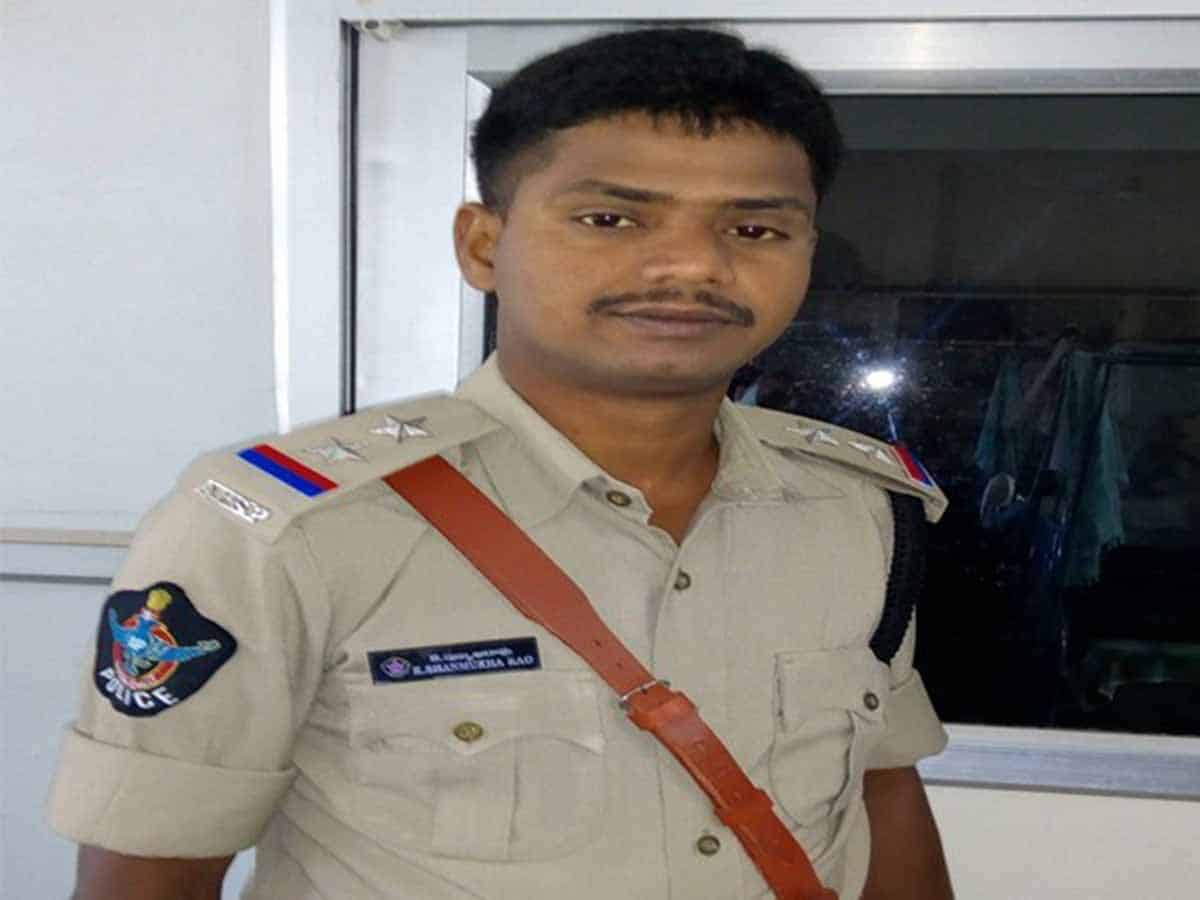 SI shot dead himself with his own service gun in Visakhapatnam