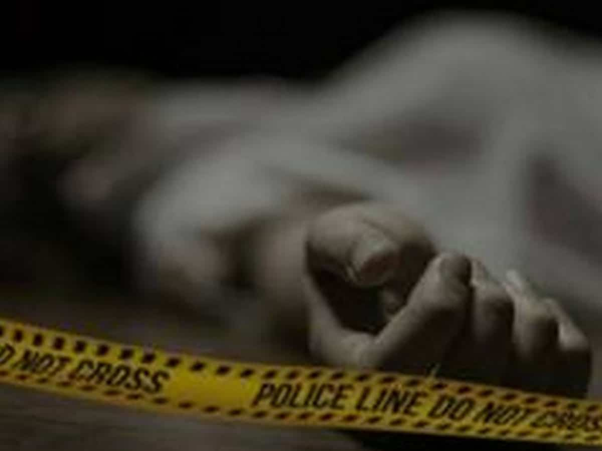 Andhra: Head constable allegedly commits suicide at Ongole collector's office